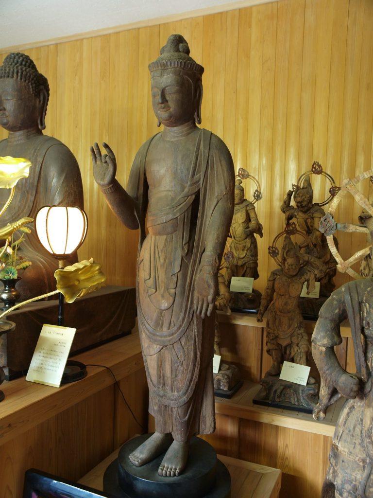 日光菩薩立像