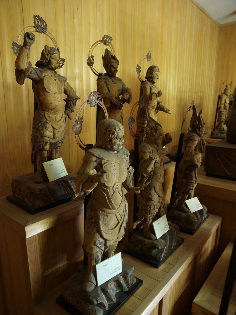 木造十二神将立像